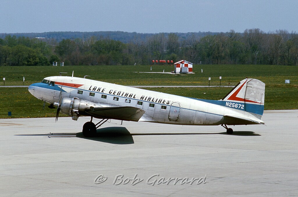 N25672 Lake Central Airlines | Douglas DC-3-277B (cn 2212 ... American Airlines