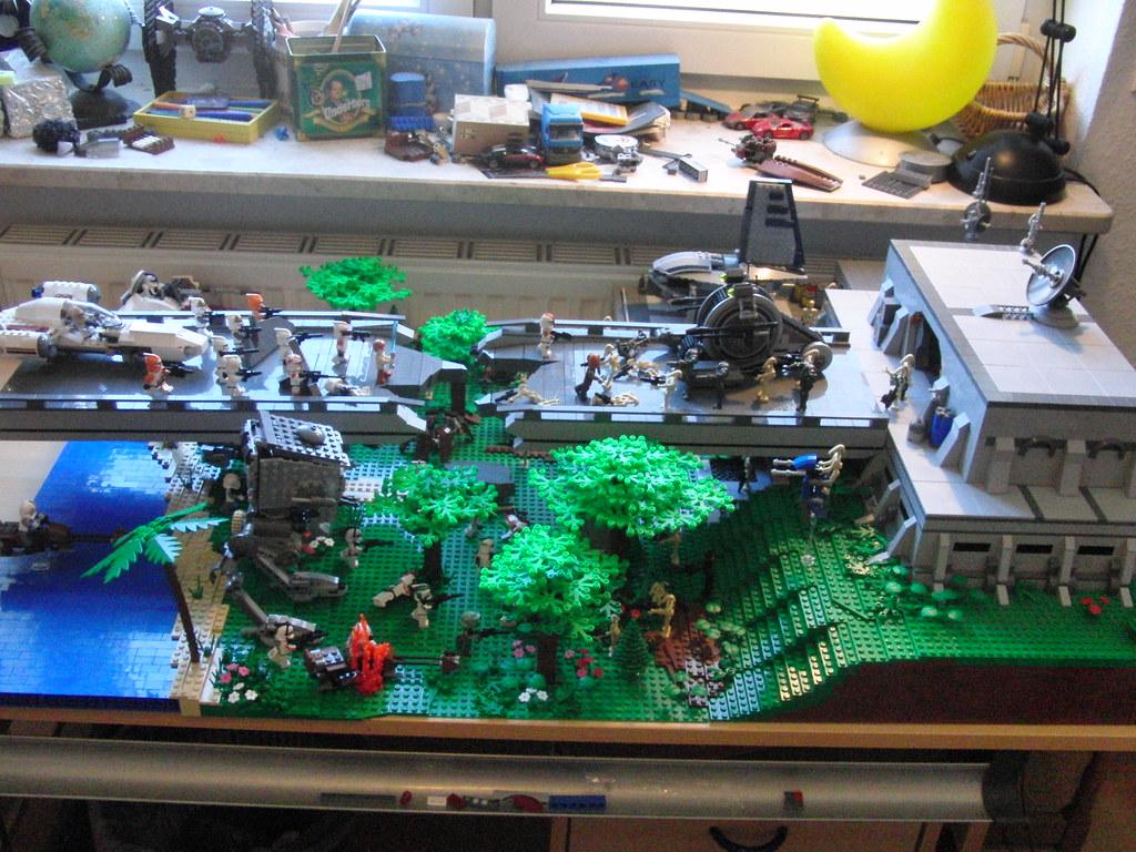 Lego star wars droid base on saleucami flickr - Lego star wars base droide ...