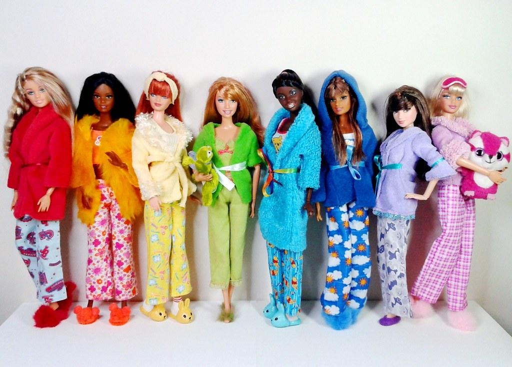 Snug as a Bug! Barbie and the Girls in their warmest, snug. Flickr