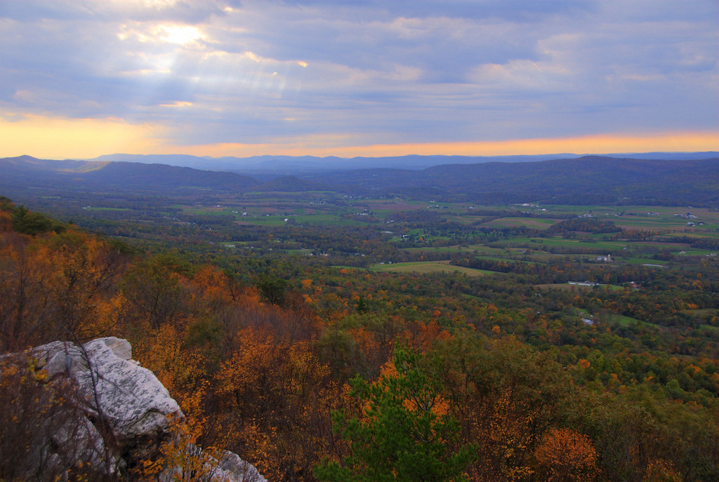 Mcconnellburg Pa And Big Cove Valley From Tuscarora Mount