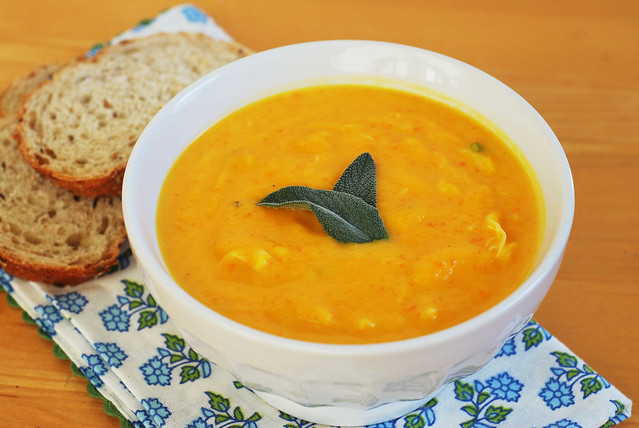 Butternut Squash and Crab Bisque - Whole Foods copycat recipe! Rich and delicious and full of fall flavor!