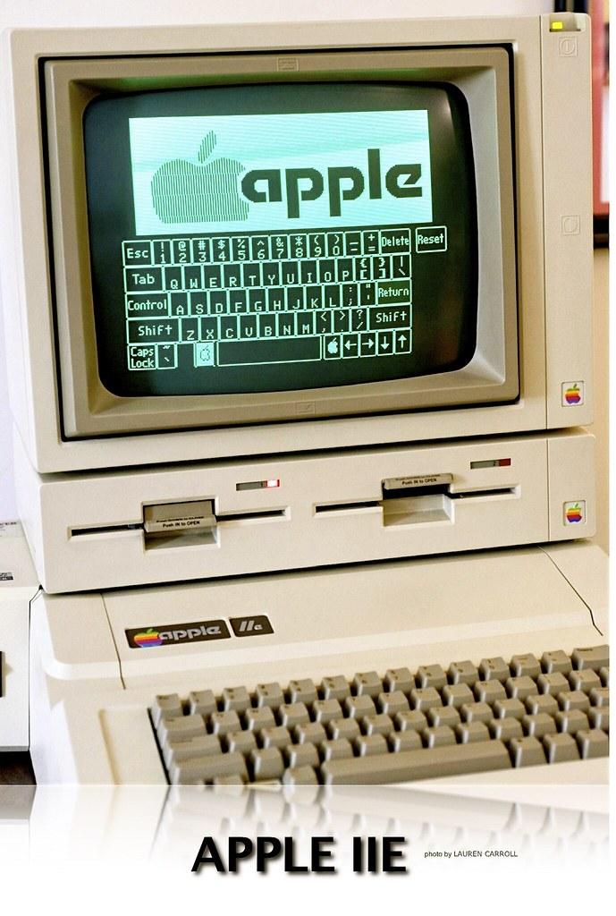 Apple IIe | Flickr - Photo Sharing!: https://flickr.com/photos/markgregory/6233601857