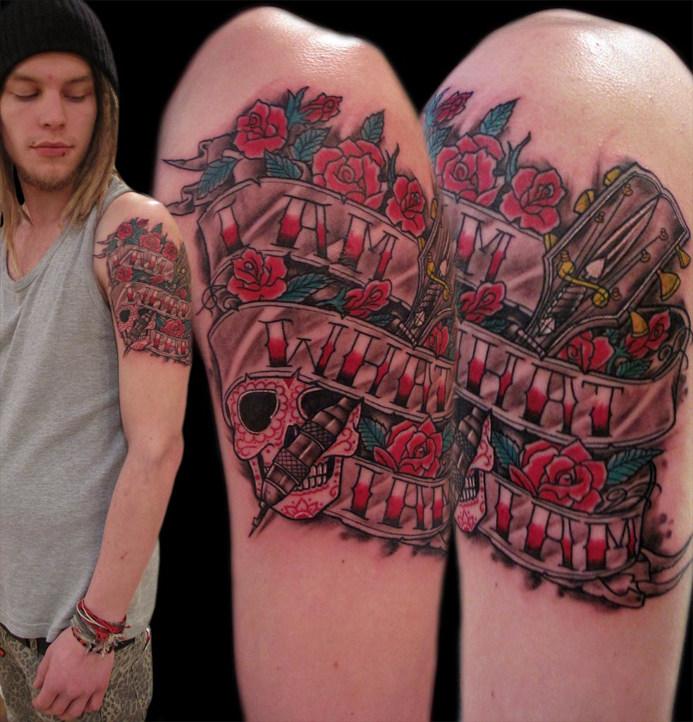 Tatuaje Frase En Pergamino Con Rosascalavera Y Mastil De Flickr