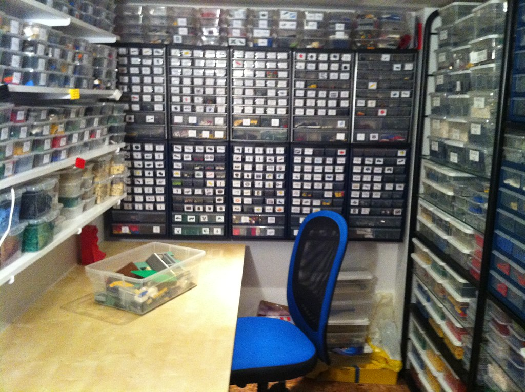 Lego Room Build Table | This is my build area. Well, it was.… | Flickr