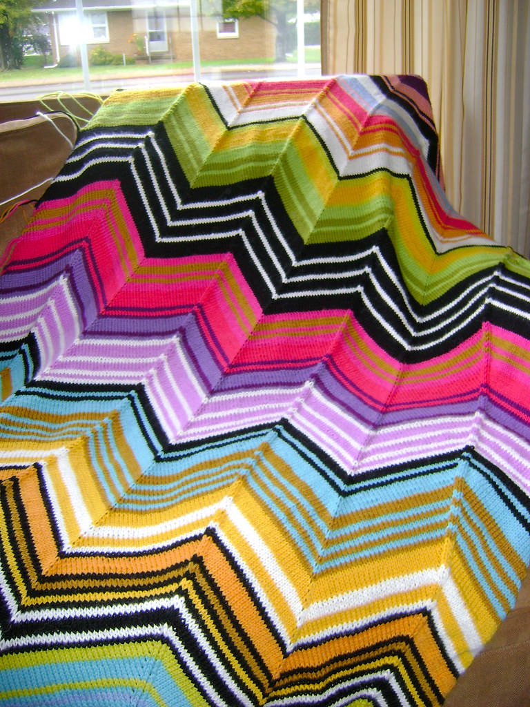 Missoni Inspired Chevron Blanket | Pattern here: www.ravelry… | Flickr