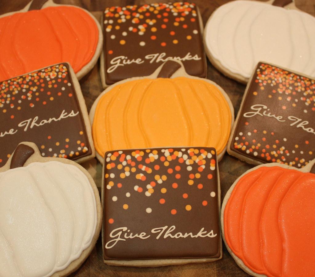 thanksgiving iced sugar cookies