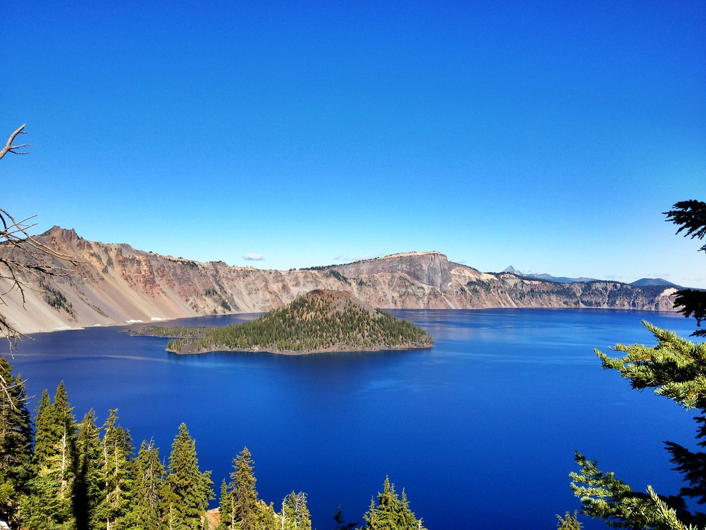 crater lake hispanic singles Crater lake lodge is a historic national park lodge that offers simpler accommodations than typical backroads lodging it has been selected for its stunning location on the rim of crater lake and its access to world-class hiking.