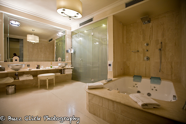 bathroom with jacuzzi tub | Flickr - Photo Sharing!