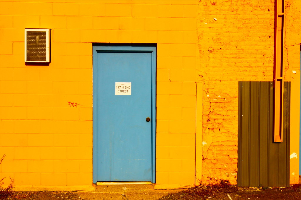 blue and yellow walls - photo #27