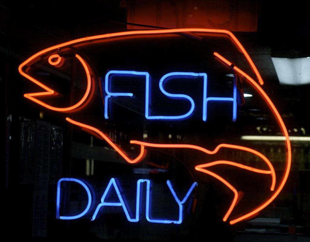 Carlos fish market richmond avenue btwn amoby road for Fish market richmond va