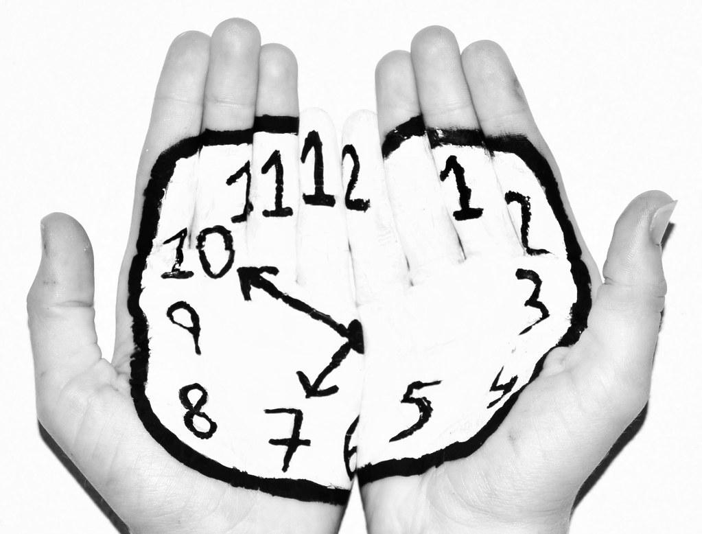 Con el tiempo en mis manos miro las horas y no pasan - El tiempo en l arboc ...