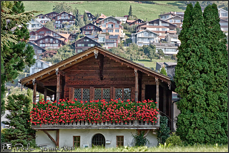 Suiza casitas de cuento oberhofen flickr - Casas en los alpes suizos ...