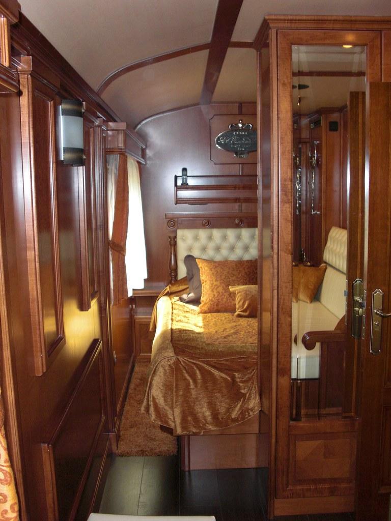 El transcantabrico gran lujo looking into suite double b for Bedroom express