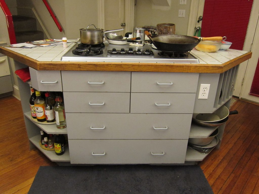 Bon Two Hi Heat IMG_6577 Island With KitchenAid Gas Cooktop With Electric  Griddle/grill. Two Hi Heat