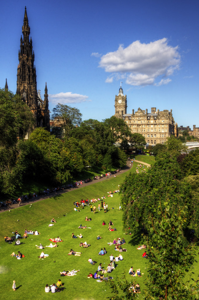 Work throughout the summer with a summer job in Edinburgh. You can find a range of jobs to either build your CV, further your career or just to keep yourself busy and meet new people.