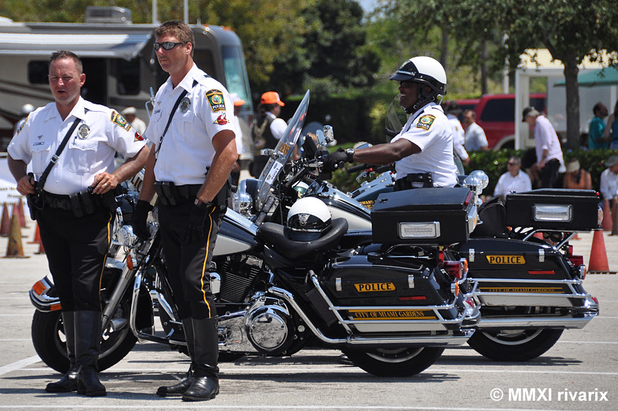 199 South East Rodeo Miami Gardens Pd Watching The Compe Flickr