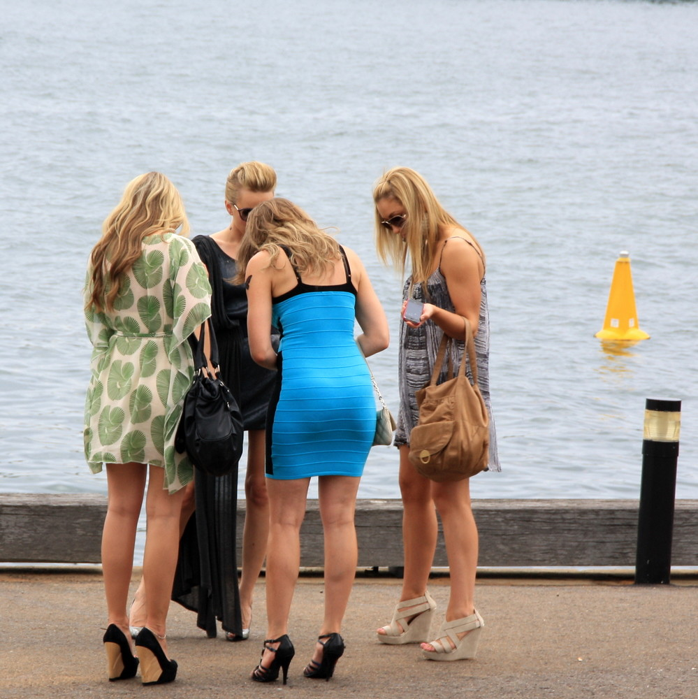 People of australia sex and the city noema p rez flickr - Perche le ragazze vanno in 2 in bagno ...