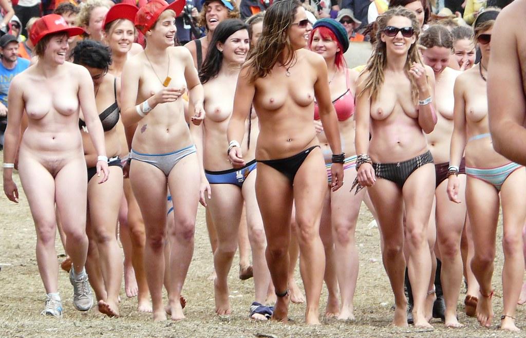 nude races of women