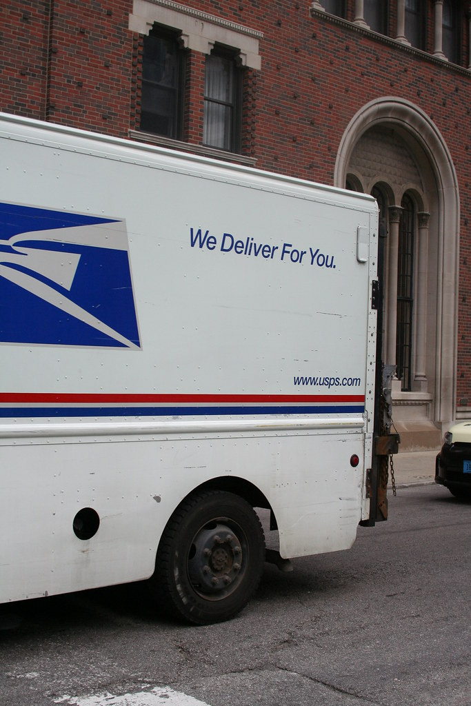 United States Postal Service mail truck in Chicago no  635