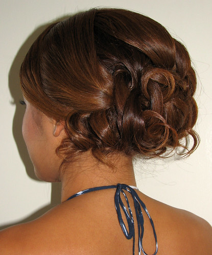 asian-wedding-hairstyle-messy-updo | by vanmobilehair
