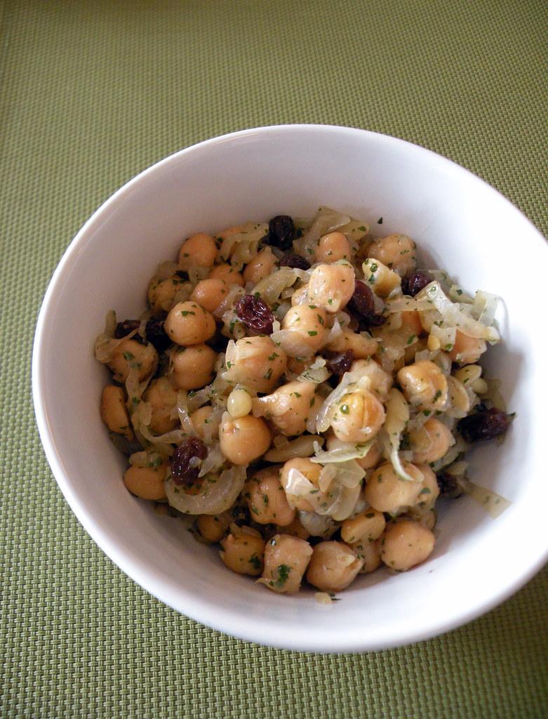 Insalata di ceci cipolle uvetta e pinoli cucinare con la for Cucinare in 3d