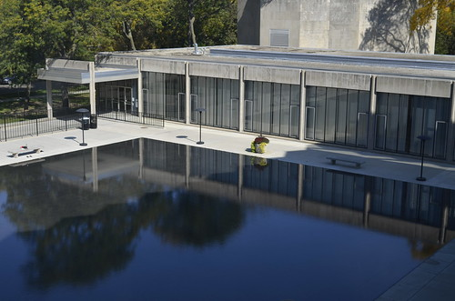 Blue reflecting pool at the university of chicago law - University of chicago swimming pool ...