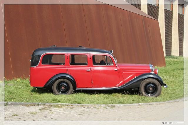 1946 1953 mercedes benz 170 v ambulanz 05 flickr for 1946 mercedes benz