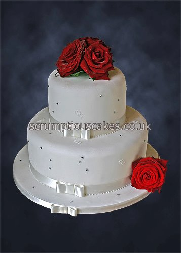 wedding cake with fresh red roses wedding cake 800 fresh roses amp diamantes paula 26895