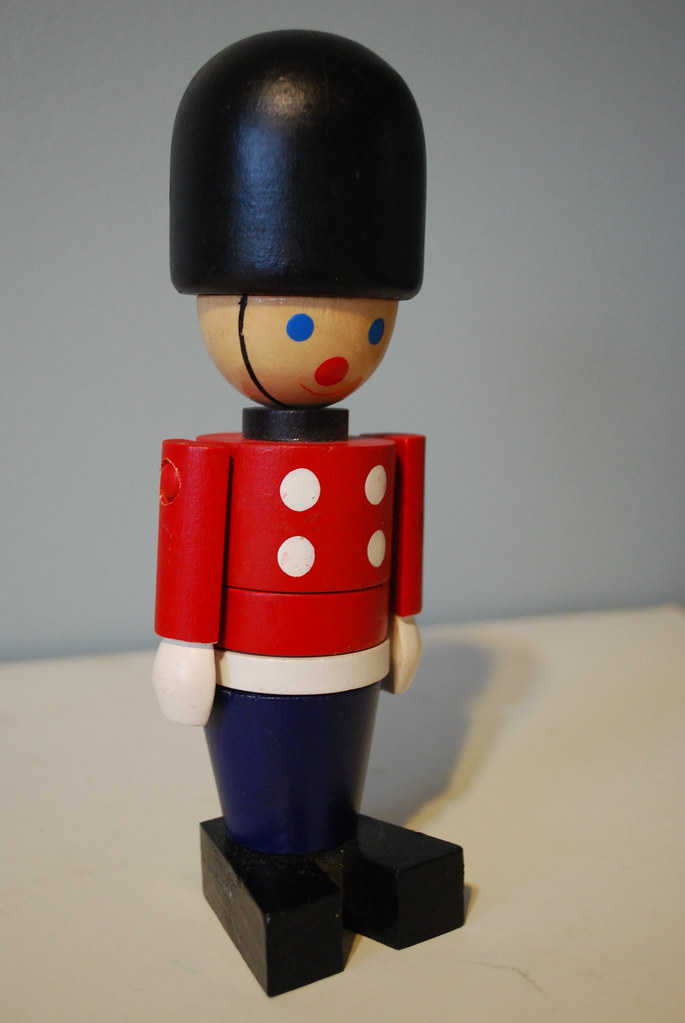 Wooden Toy Soldier | Looks kind of like one of the Queen's G… | Flickr