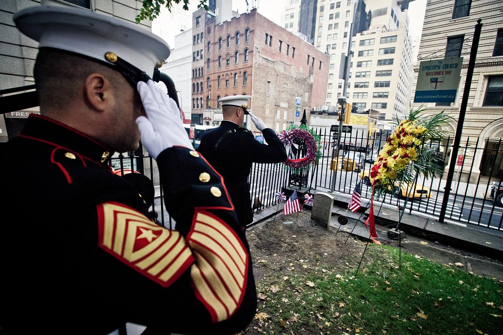 Marines place wreath at grave site of 3rd Commandant on Ma ...