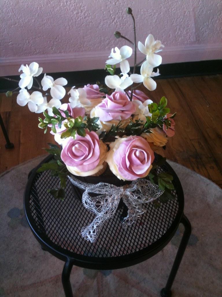 Fondant Roses For Unique Cupcake Bouquet Wedding Centerpie Flickr
