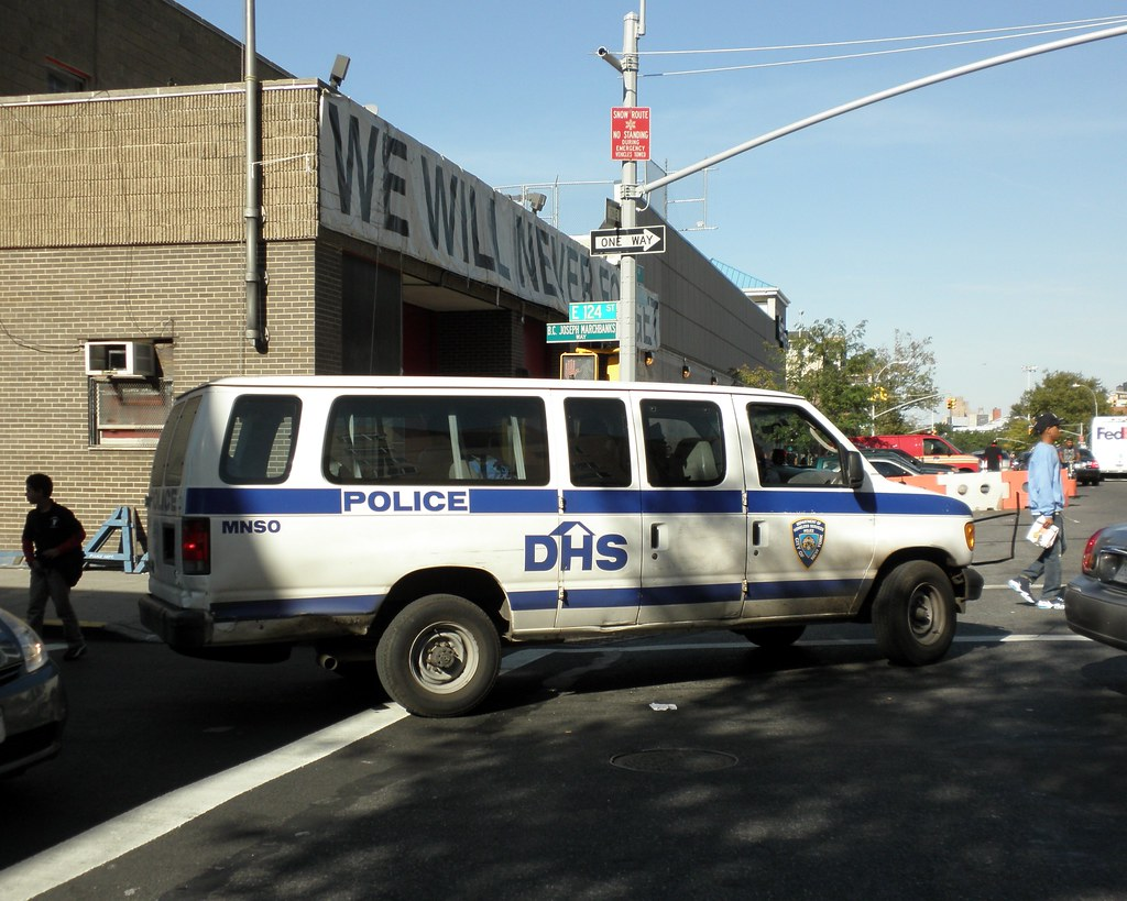 DHS Department of Homeless Services Police Van, East Harle… | Flickr