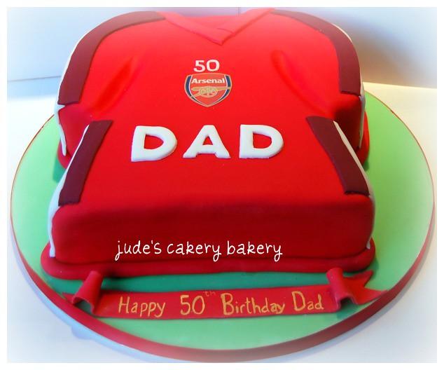 Arsenal T Shirt Cake