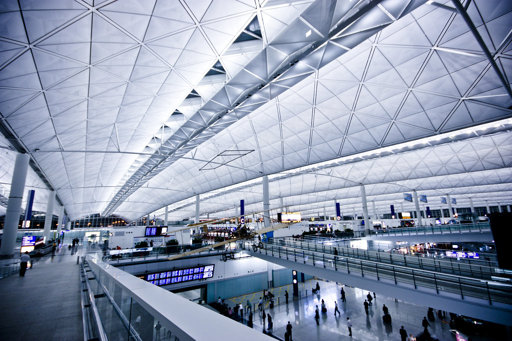how to go to hong kong airport