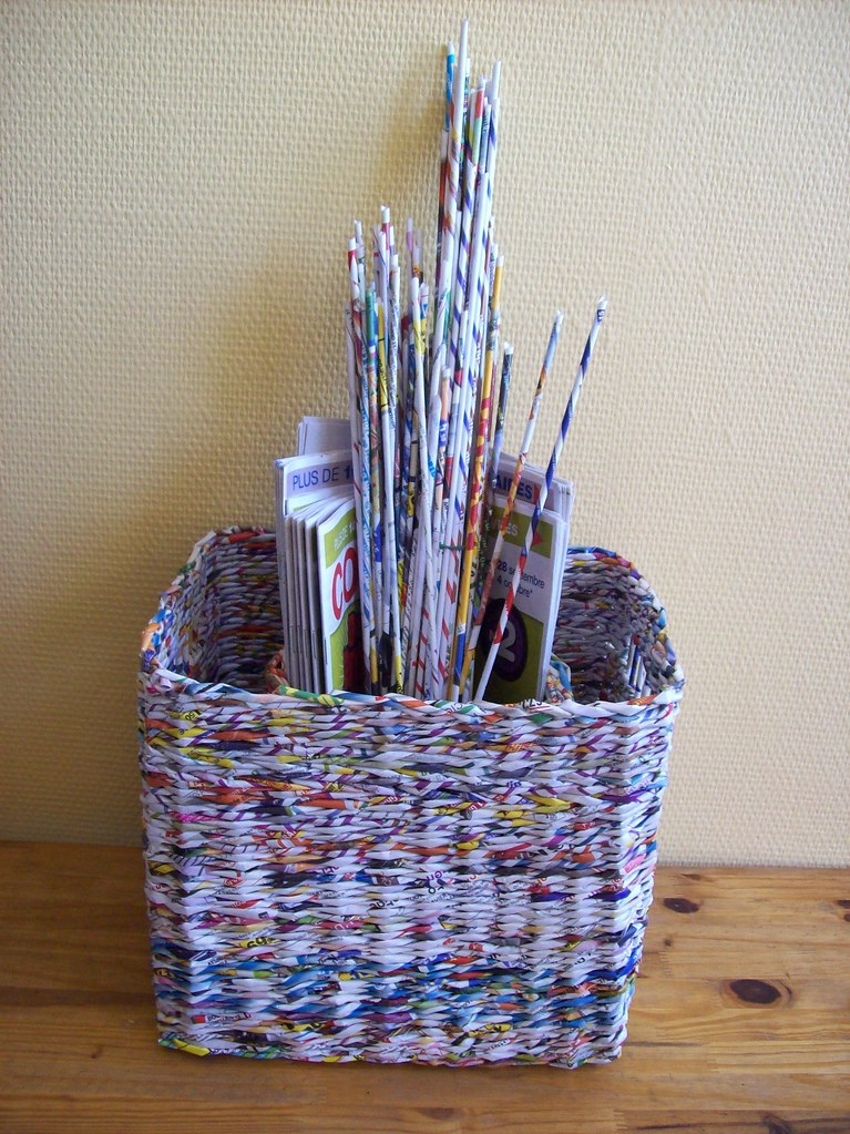 Koszyki z makulatury baskets made from wastepaper flickr for Craft work best out of waste