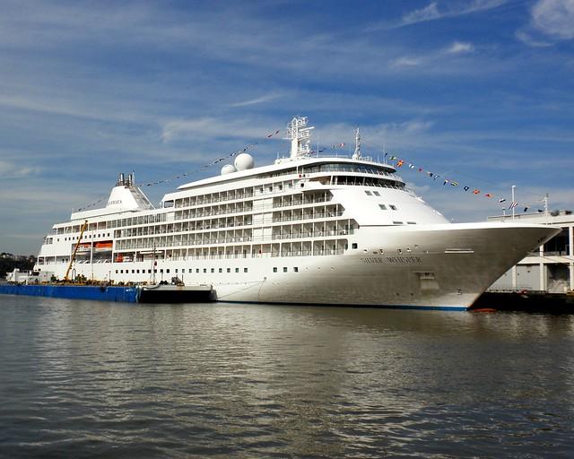 SILVER WHISPER Cruise Ship Manhattan Cruise Terminal