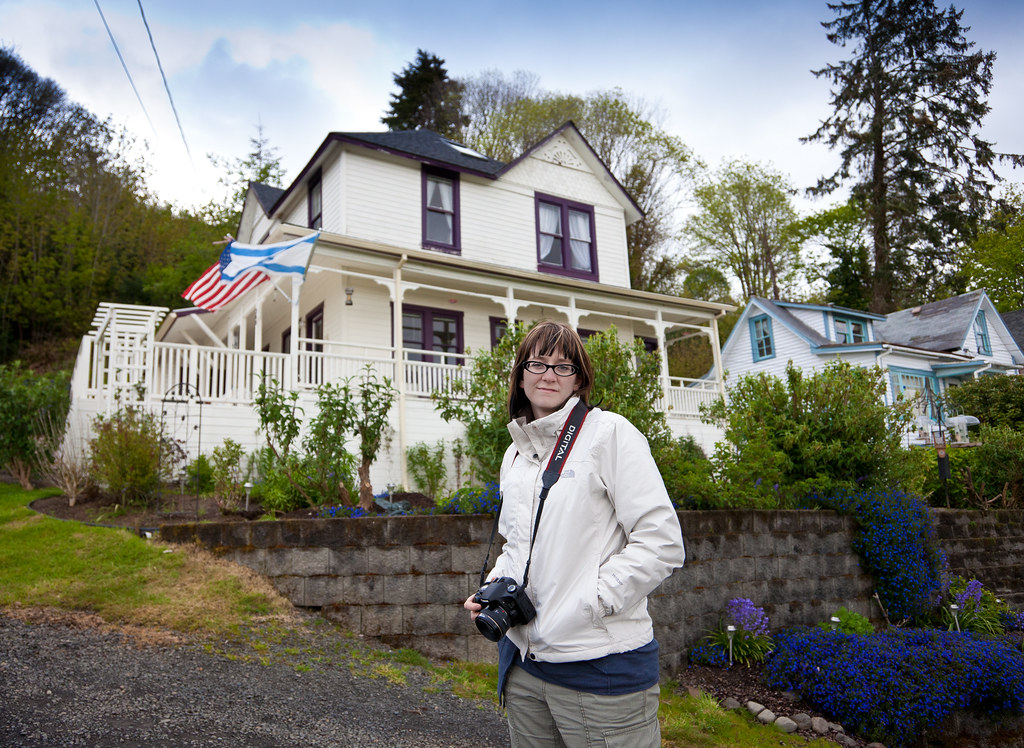 Jenn In Astoria - In front of the Goonies House. | Old ...