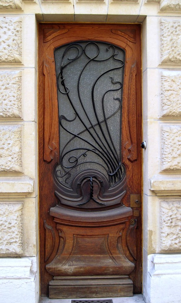 Art nouveau small door door of an habitation building loca flickr - Architect binnen klein gebied paris ...