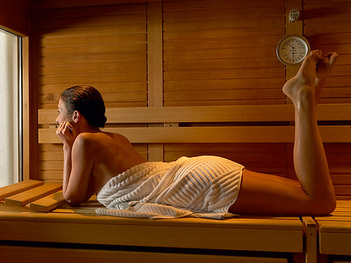 hot stone massage stockholm drop in massage stockholm