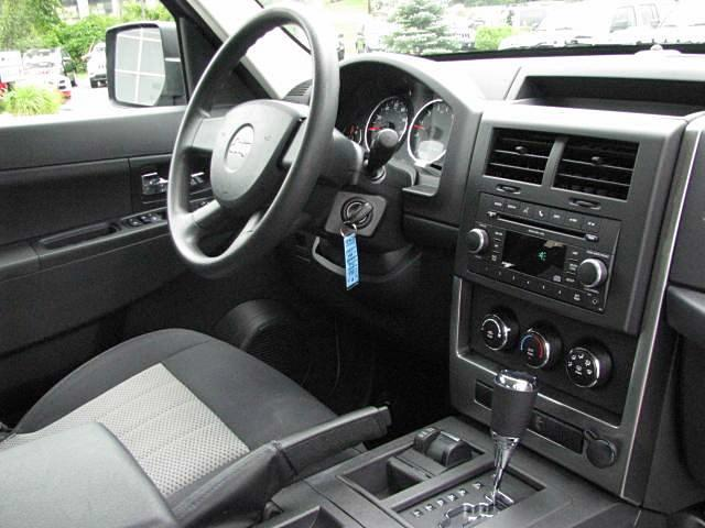 2010 jeep liberty interior front branhaven jeep branfor flickr for Jeep liberty interior accessories