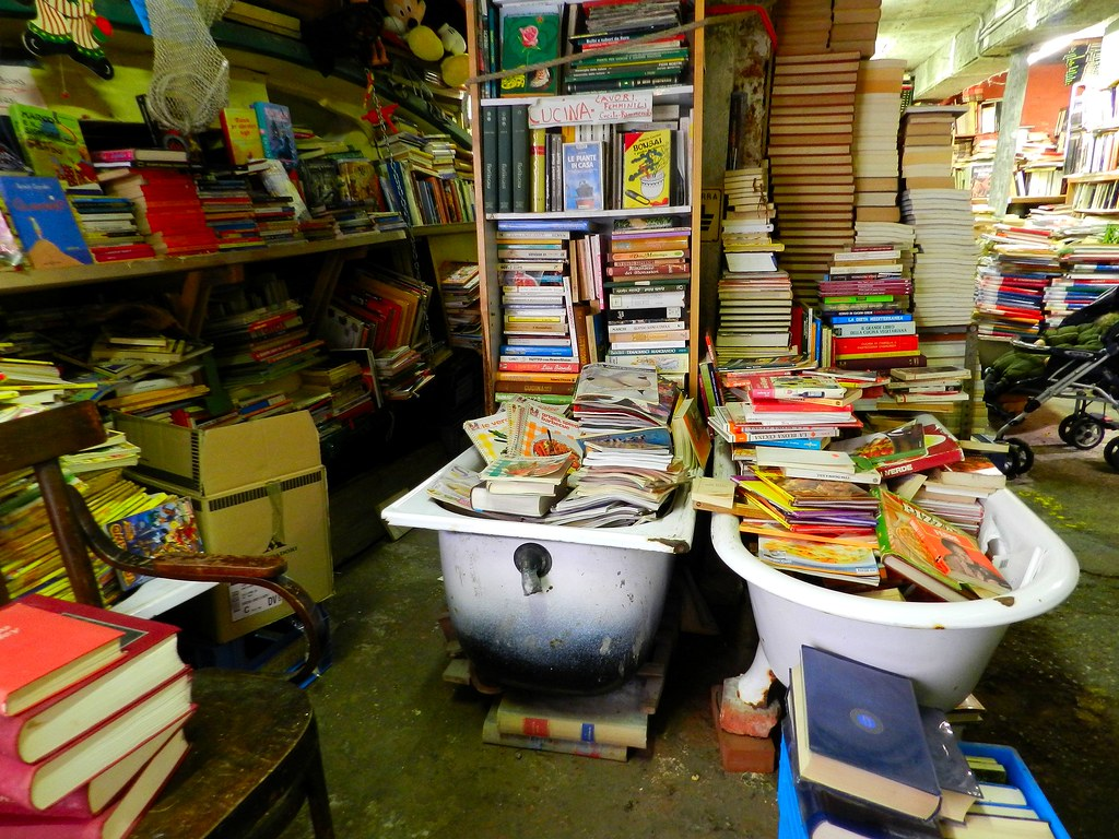 5 amazing bookstores around the world for Libreria shop online