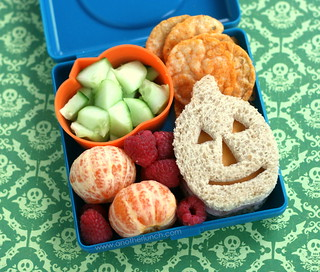 jack-o-lantern sandwich bento | by anotherlunch.com