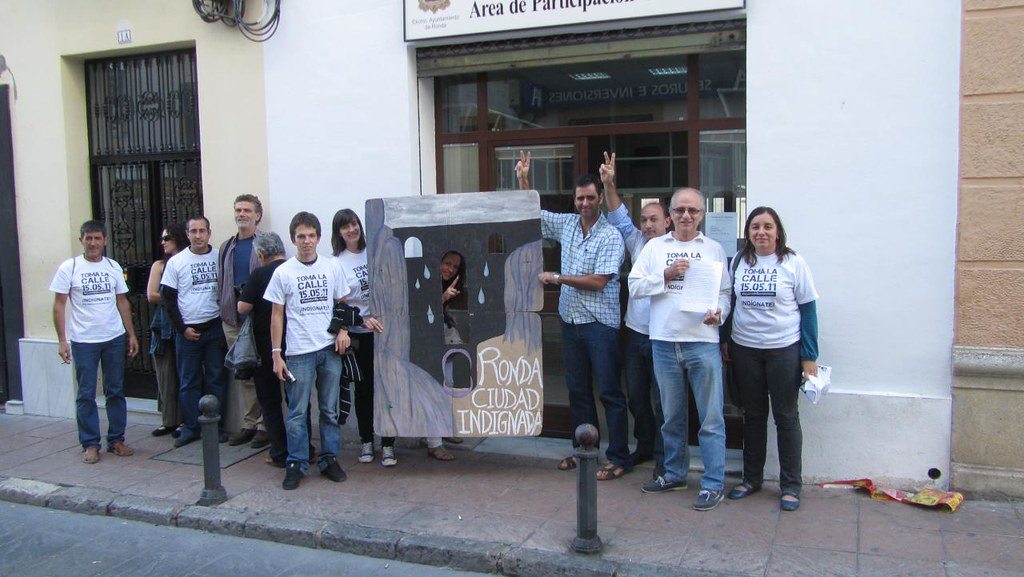 15m en la puerta oficina defensor del ciudadano de ronda for Oficina del ciudadano