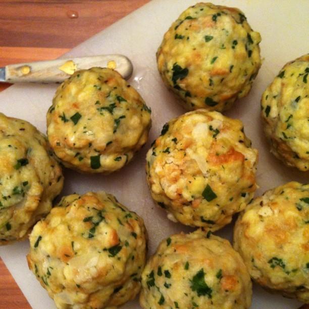 Best austrian food semmelkn del the translation bun for Cuisine translate