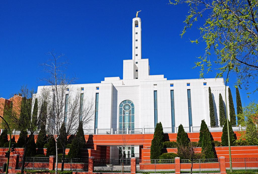 Iglesia jesucristo de los ultimos dias madrid el for Biblioteca iglesia madrid