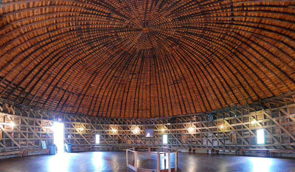 The Round Barn Of Arcadia Inner View Need A Real