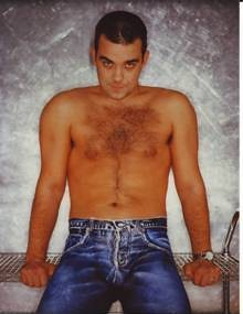 Robbie Williams supporting Jeans for Genes   Jeans for ...