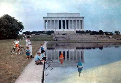 1937 reflecting pool washington dc children sailing boats. Black Bedroom Furniture Sets. Home Design Ideas