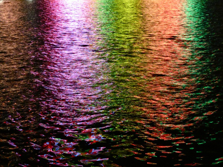 Neon Light Water Splash Wallpaper - Free iPhone Wallpapers