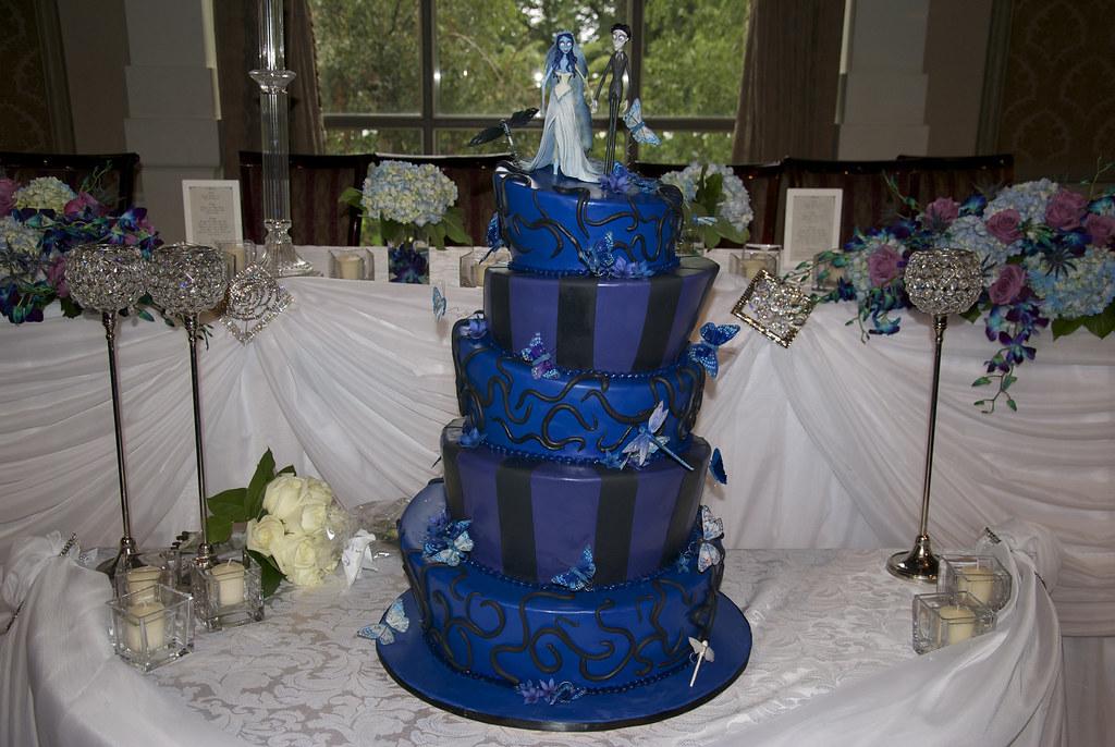 Royal Blue Themed Wedding Cake: The world s catalog of ideas.